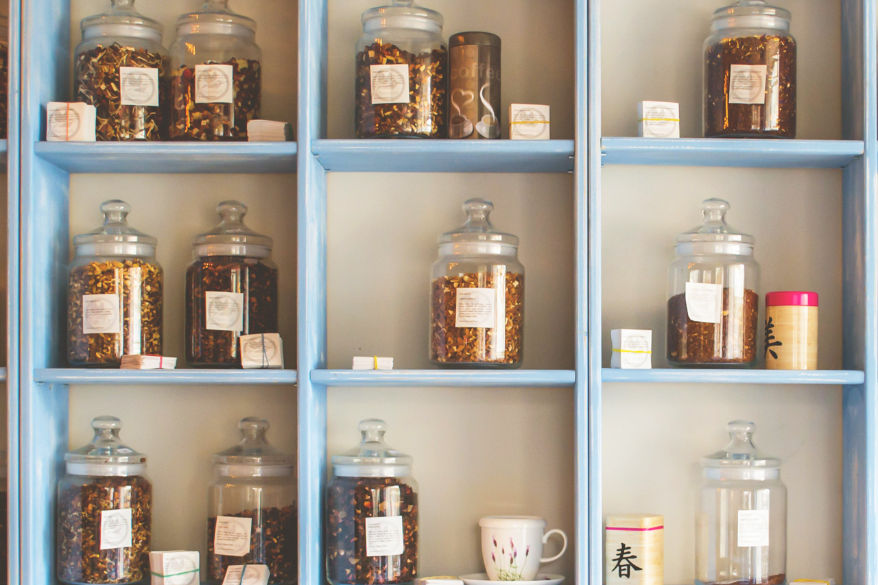 保存棚と保存瓶