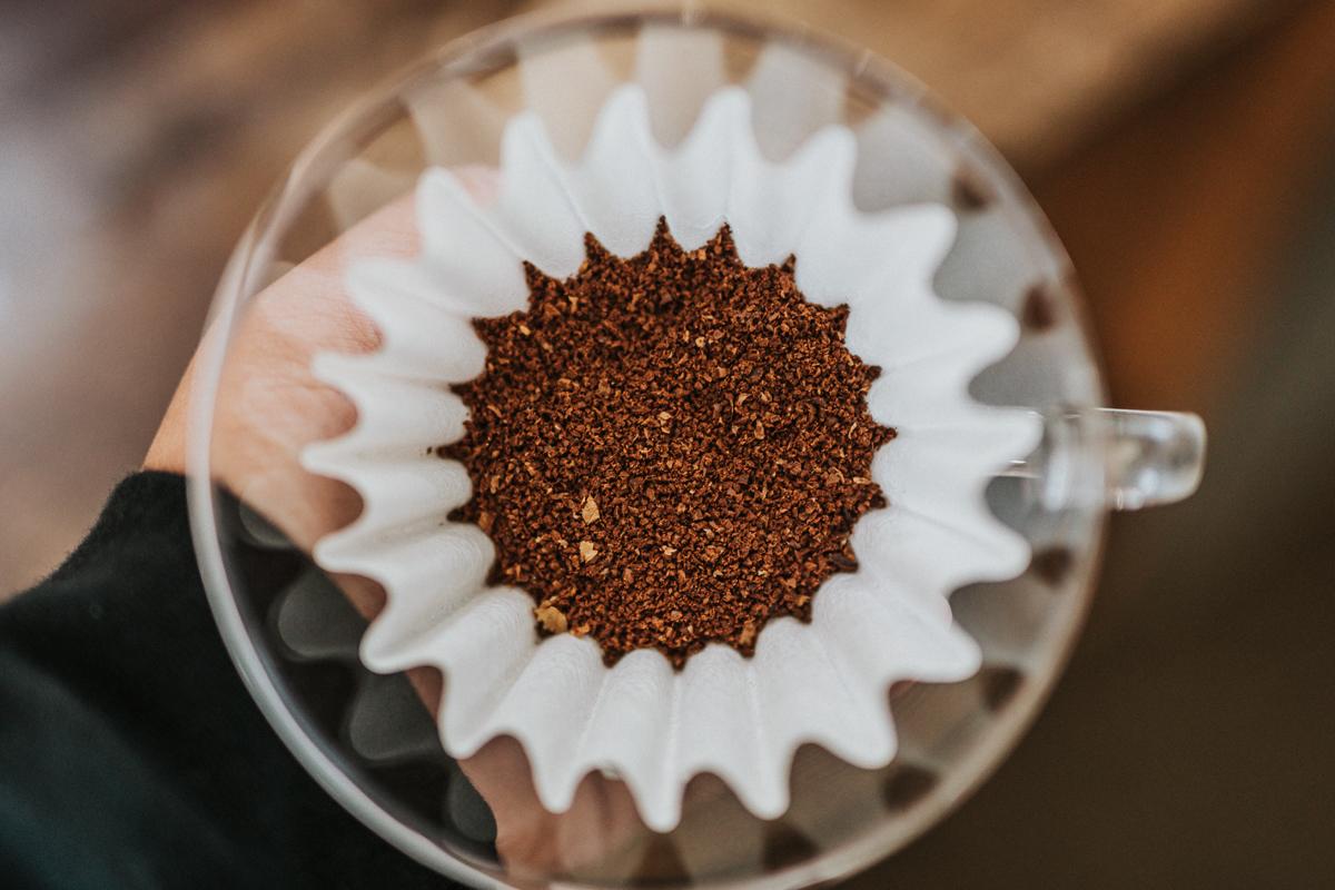 挽いたコーヒー豆が入ったウェーブシリーズ