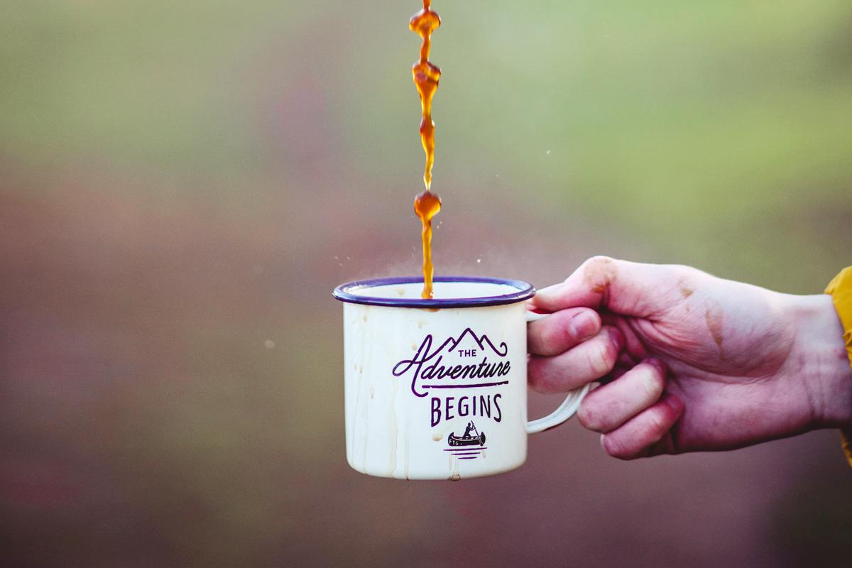 コーヒーが注がれているカップ