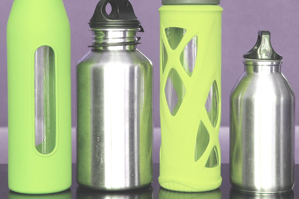 4つの水筒
